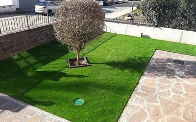 Instalar césped artificial en jardines